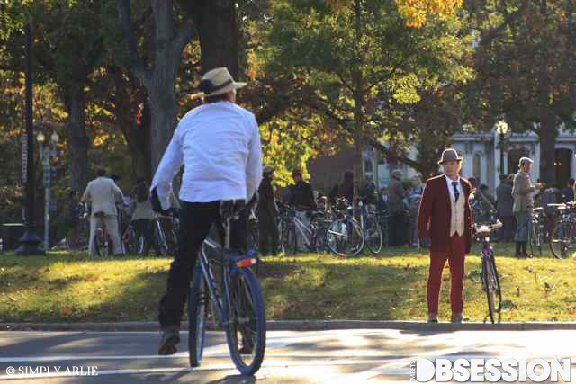 Photo Diary: Dandies & Quaintrelles' Annual Tweed Ride in Washington D.C. (19)