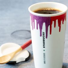Starbucks Brews Collaboration with Band of Outsiders